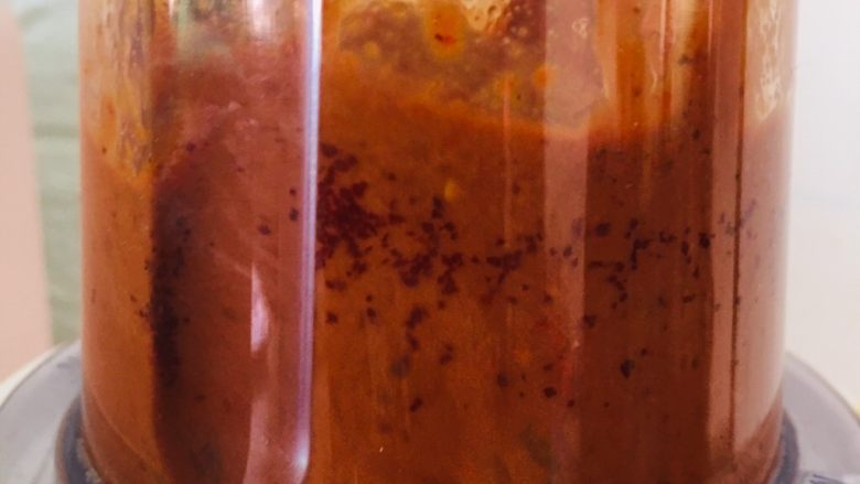 枸杞红枣饼干,打成糊状。