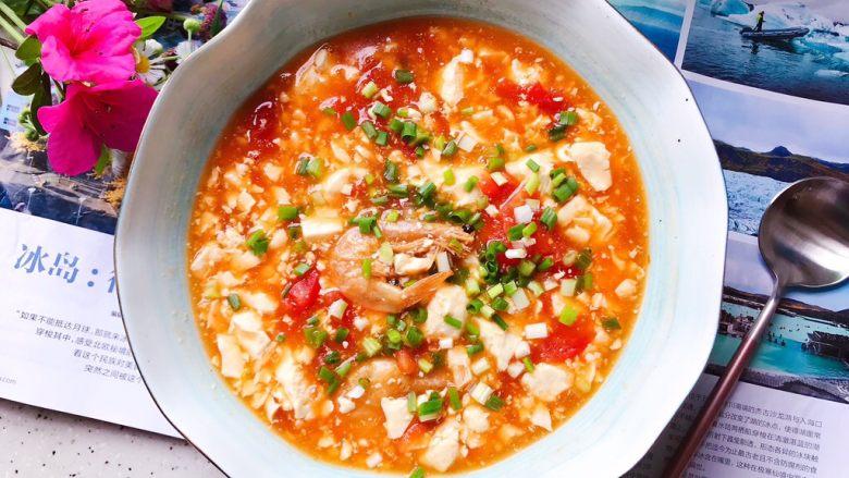 西红柿虾干豆腐羹,成品图