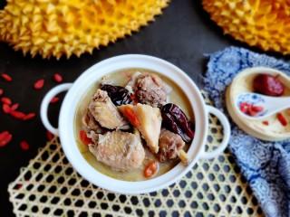 榴莲炖鸡,榴莲煲的鸡汤真的好好喝诶。敏茹意精品厨娘原创作品。
