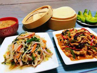 春饼,吃春饼就是要搭配鱼香肉丝和炒合菜这样的配菜吃超级美味