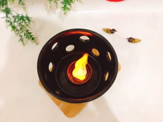 干锅牛蛙,点火