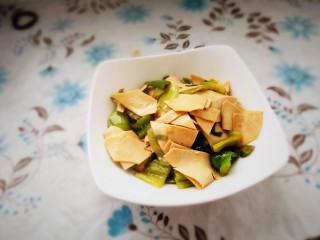 家常尖椒炒豆片