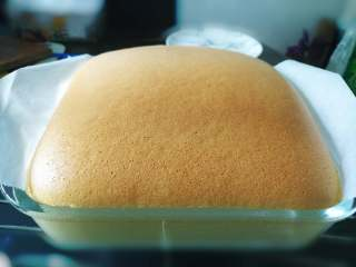 芝士夹心蛋糕,上色均匀即可出炉