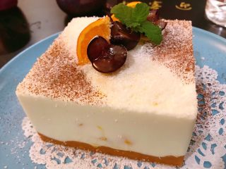 酸奶芒果蛋糕