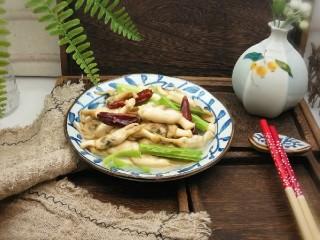 葱姜烹蛏子,出锅了 好香  鲜美