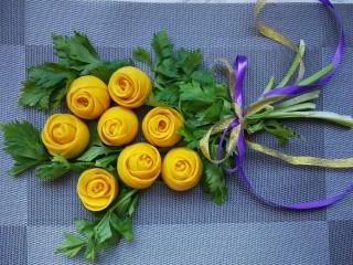 南瓜玫瑰花馒头,成品图