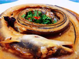 红烧海鳗,海鳗鱼的肉质细腻鲜嫩口感极佳