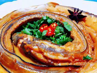 红烧海鳗,海鳗有很多种做法我个人认为红烧这个做法是做美味最入味