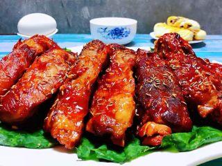 叉烧烤排骨,这道美味也是宴客的必备那首大菜哦
