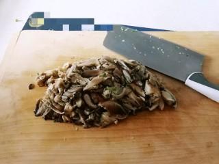 野菜豆腐包子,蘑菇切碎