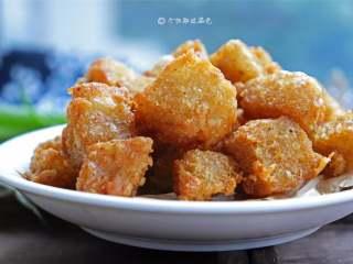 自制鱼豆腐,货真价实、含有鱼肉的鱼豆腐,入口软嫩,柔韧有弹性,