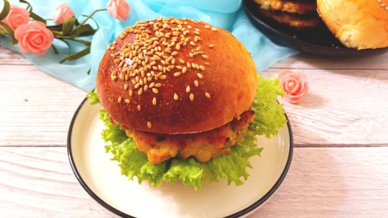 鸡肉蔬菜饼汉堡,成品图