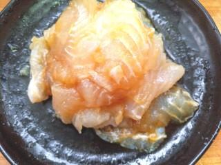 麻辣香锅,加入少许生抽,料酒,香油腌制10分钟