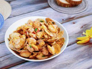 辣炒花蛤,出锅装盘,开吃