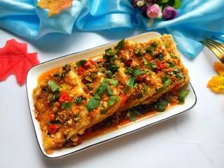 香辣脆皮豆腐,浇上碗汁就可以开吃啦!