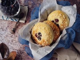 蓝莓酥粒面包