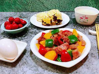 彩椒炒牛肚头,丰盛的早餐开启了美好的一天