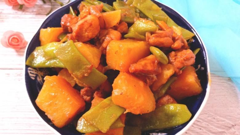 扁豆土豆炖鸡肉