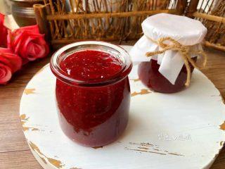 草莓酱,成品图二