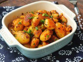 新鲜土豆这样做,一天吃三顿都不会腻!