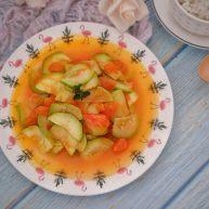 西葫芦和西红柿一起炒,清爽下饭