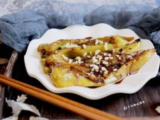 虎皮青椒,如果你学会这道菜,在聚餐的时候来一盘,绝对上桌秒光。