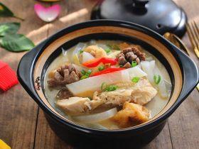 这锅客家杂菜煲,有肉有菜还有汤,客家人真会吃!