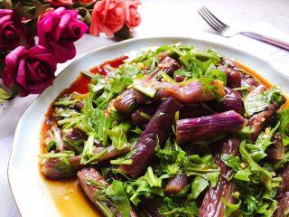 蒜蓉茄子芝麻菜,清爽好吃有营养