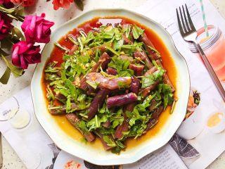 蒜蓉茄子芝麻菜,成品图