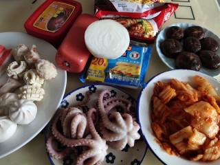 家常韩式部队锅,准备原料