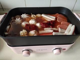 家常韩式部队锅,加清水煮开