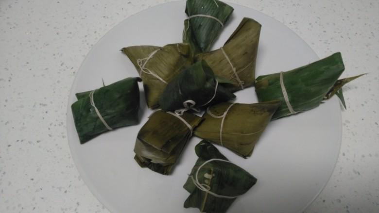 花生、蜜枣、葡萄干粽子