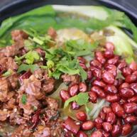 香格里拉的牦牛偷走了我们的韭菜,我们赶紧吃碗牛肉米线压压惊
