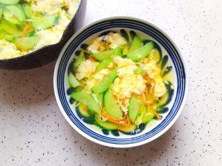 虫草花黄瓜鸡蛋汤,装碗
