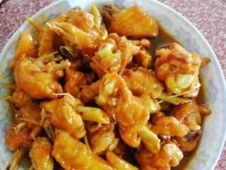 姜糖炒鸡翅,装盘