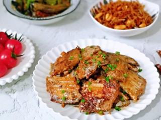 红烧带鱼,肉质鲜嫩~开饭啦!