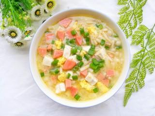 鲜香浓郁的菌菇豆腐汤,成品。