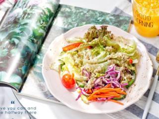藜麦田园蔬菜沙拉