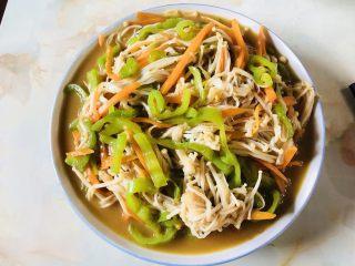 青椒炒金针菇