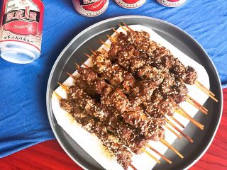 健康烧烤  电烤羊肉串,自制羊肉串,原料精良,无添加,吃起来更放心。打开啤酒,开始大口朵颐吧~
