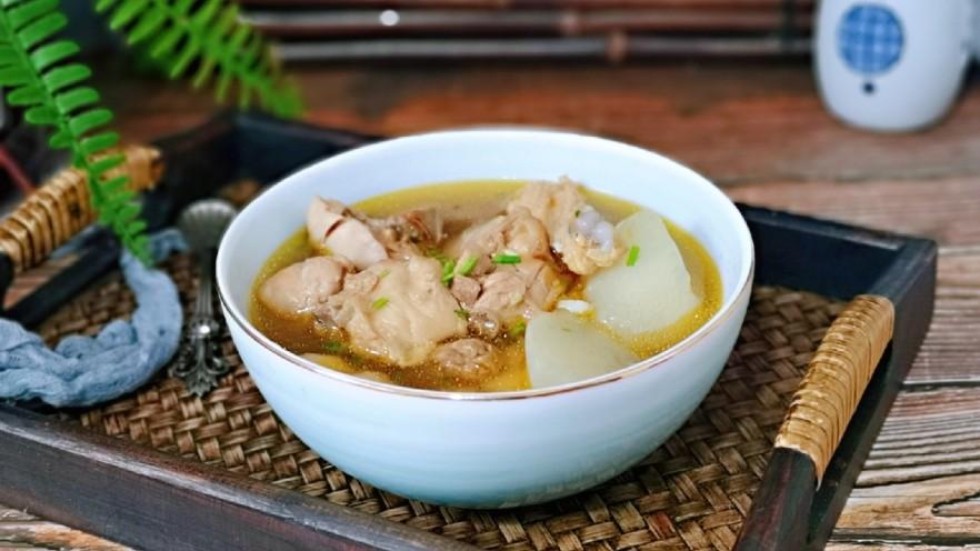 白萝卜汽锅鸡