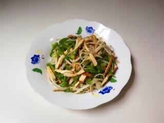 香干豆芽炒辣椒