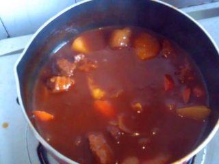 土豆炖牛肉,大火收汁