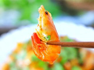 美极小河虾,脆脆的外壳,甜香的虾肉,好吃到停不了口。