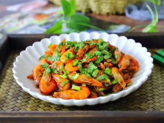 美极小河虾,鲜美,入味,这样做,把虾的味道发挥到了极致,口感堪称一绝。