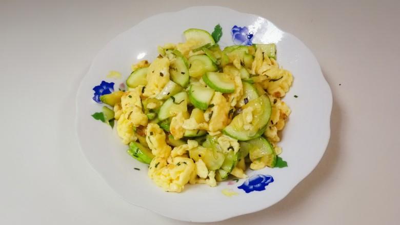 葱香西葫芦鸡蛋,非常鲜美