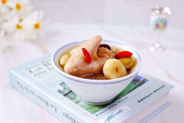 板栗炖土鸡汤