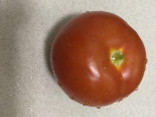 泡面打卡,西红柿洗干净