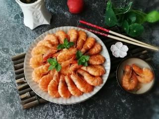 无水椒味虾,用薄荷叶增香增色