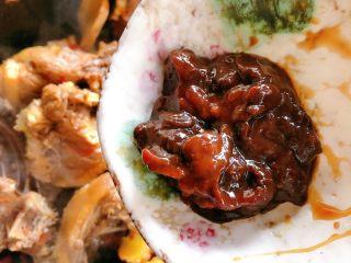 茶树菇炖翻鸭,加黄豆酱